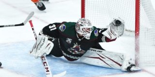 Comox-born Adin Hill making a great save for the Arizona Coyotes